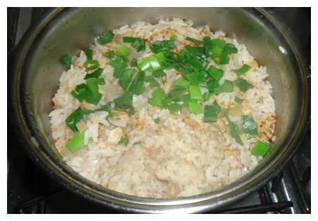 Sementes de Chia: arroz integral salteado com pimentãos